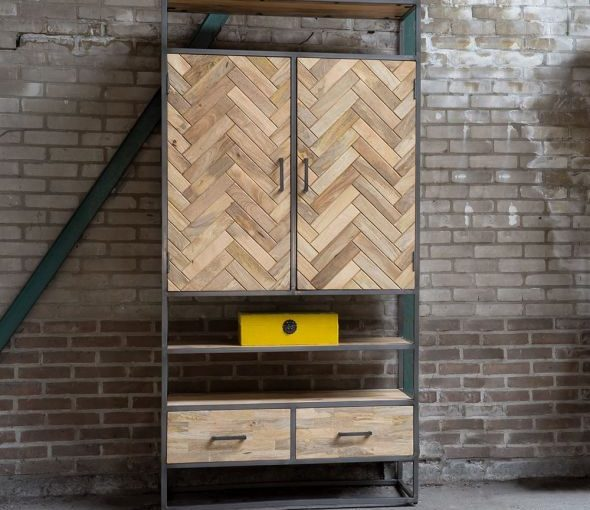 boekenkast met deuren